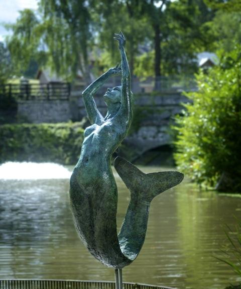 A7441 statue 2